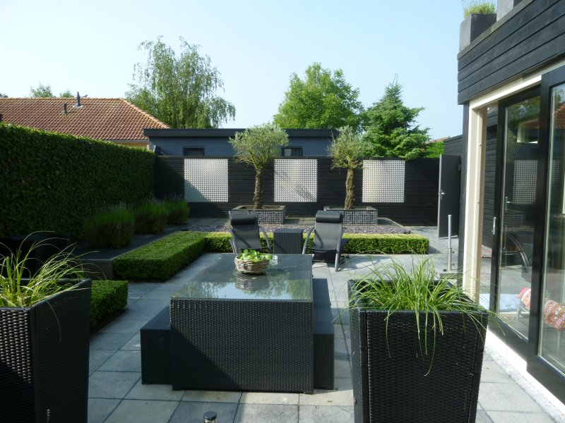 Moderne tuin oude tonge tuin ontwerp arthur westerman for Vierkante tuin
